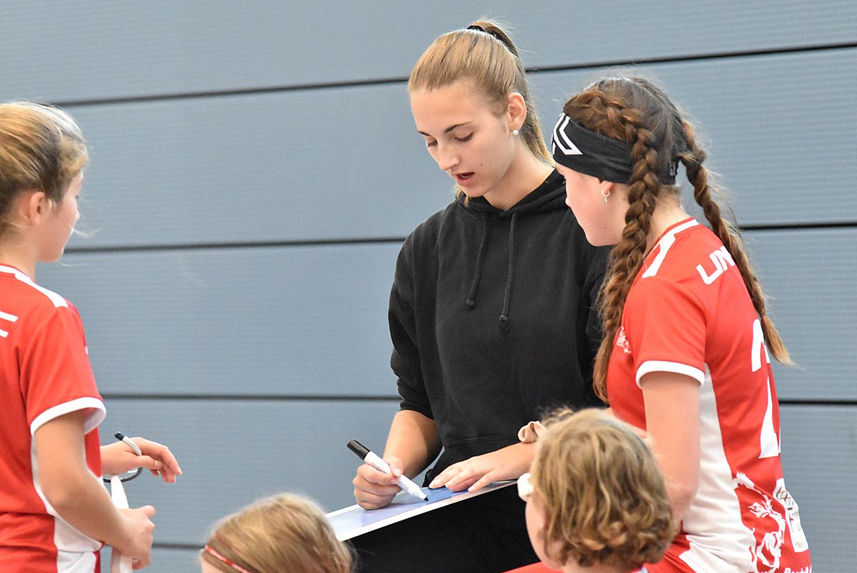 Die U17-Juniorinnen konnten von der Erfahrung von Anina profitieren (Archivbild)