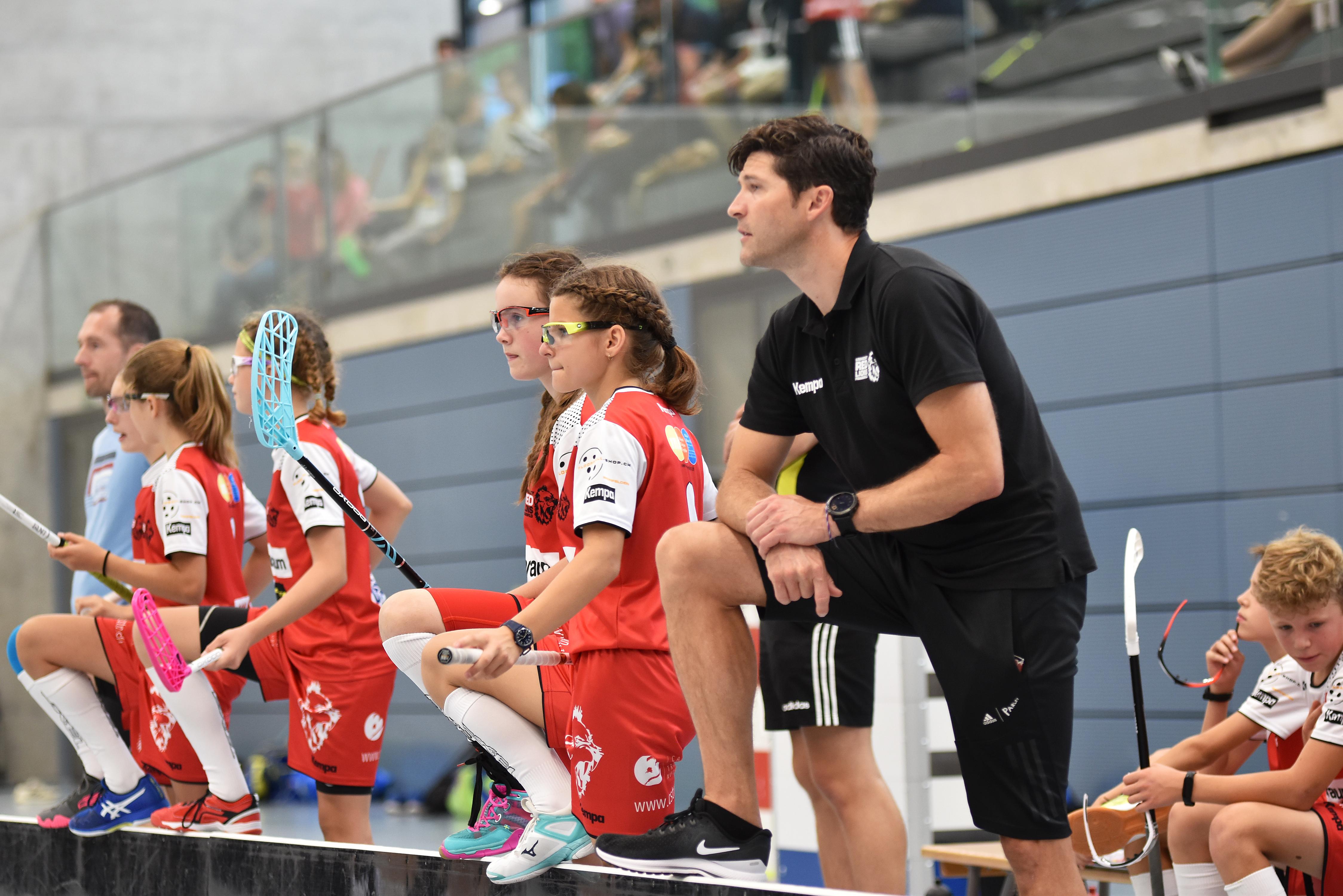 Andi Helbling stand letzte Saison als Trainer an der Bande der U14A, er verlässt das Team (Archivbild)